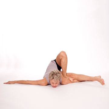 Adho-mukha-Yogadandasana---Downward-Facing-Yogi-Staff-Pose